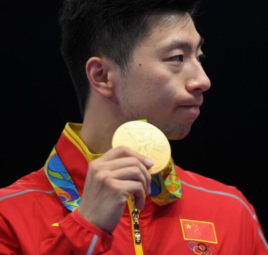 马龙、丁宁受邀参加国际奥委会举办的乒乓球友谊赛