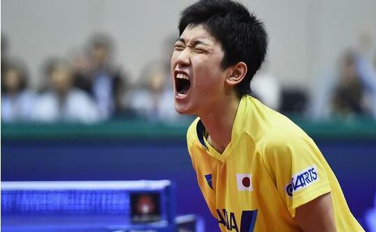 张继科3比4失利日本队小将张本智和错失男单桂冠